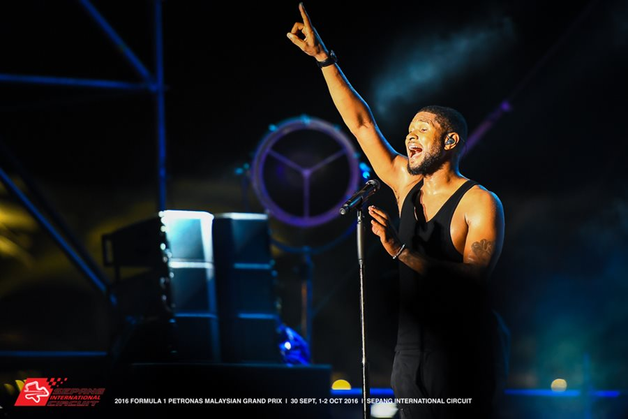 Usher-performing-at-the-After-Race-Concert.jpg